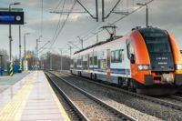 koleje, pociąd, pierwsza pomoc w pociągu, tory, podróż