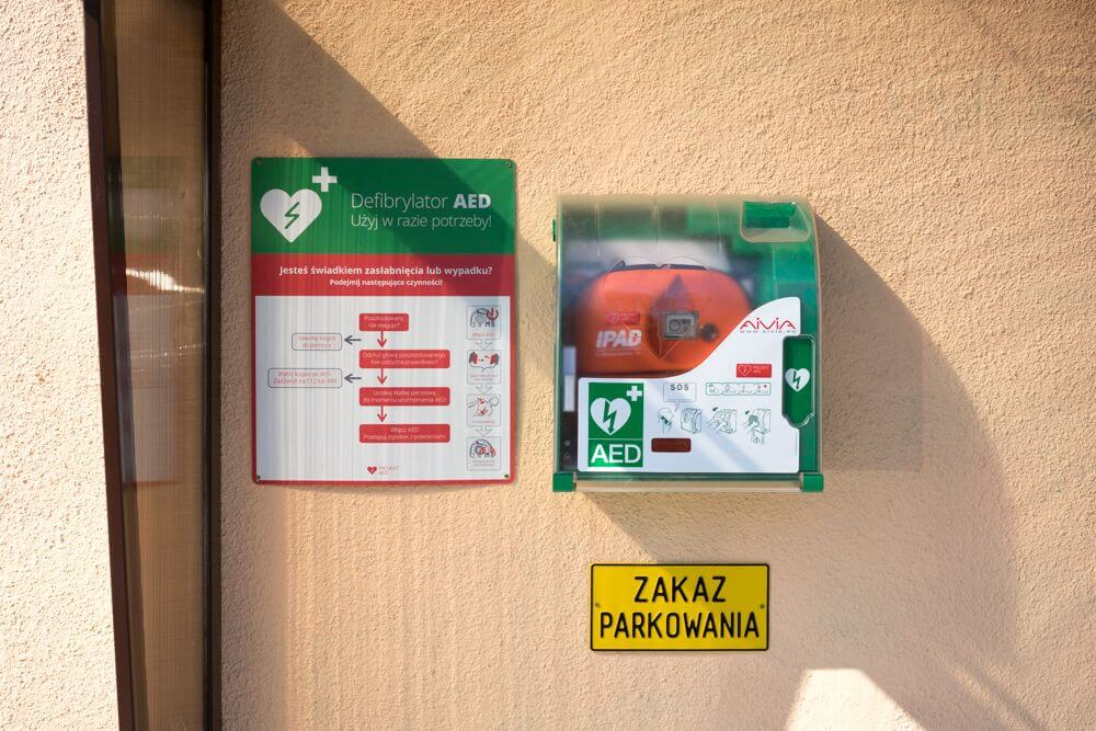 defibrylator iPAD, defibrylator w szkole, szkoła, pierwsza pomoc