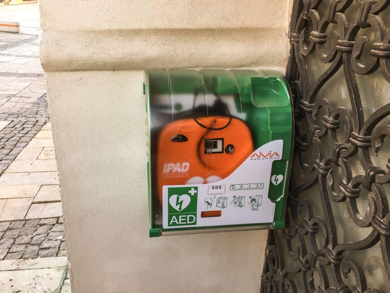 defibrylator aed w kosciele w illinois