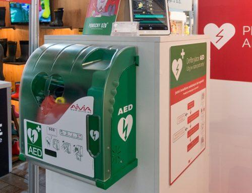 Jak działa AED? Poznaj zasady działania defibrylatora krok po kroku