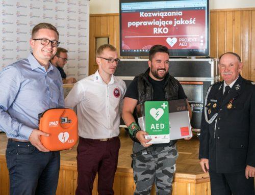 Wygrana w walce o życie, czyli 10 nowych defibrylatorów AED w powiecie myślenickim