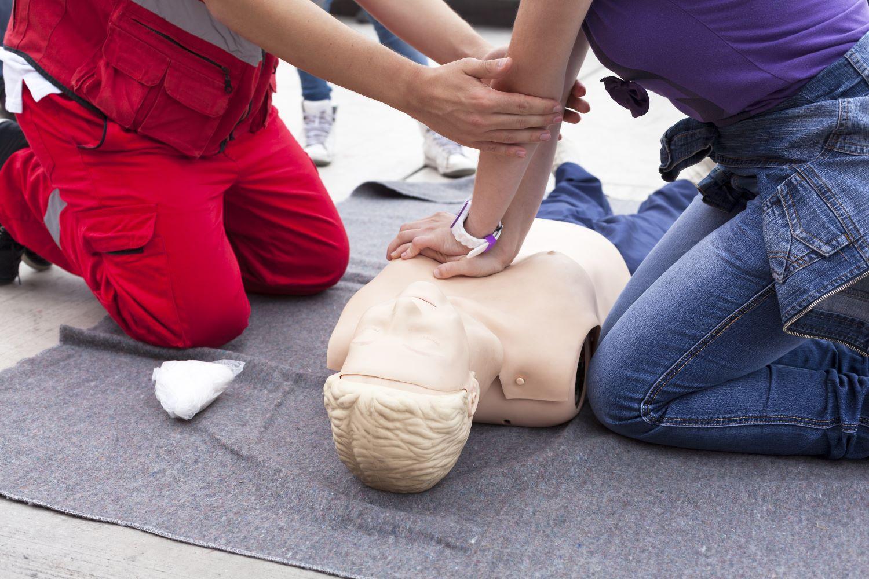 pierwsza pomoc - szkolenie, fantom, szkolenie z pierwszej pomocy dla osób niewidomych