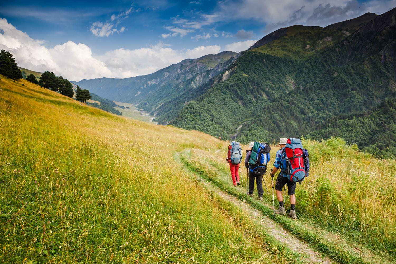 wycieczka w góry, wakacje w górach, bezpieczeństwo na wakacjach, zabierz swój AED na wakacje