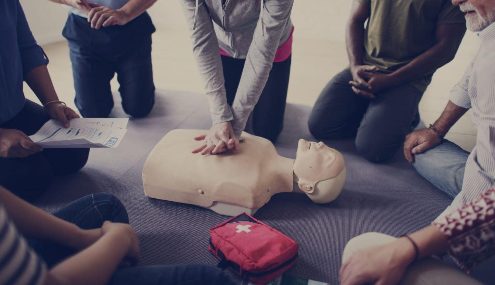 Pierwsza pomoc – gdzie nauczyć się jej udzielania?
